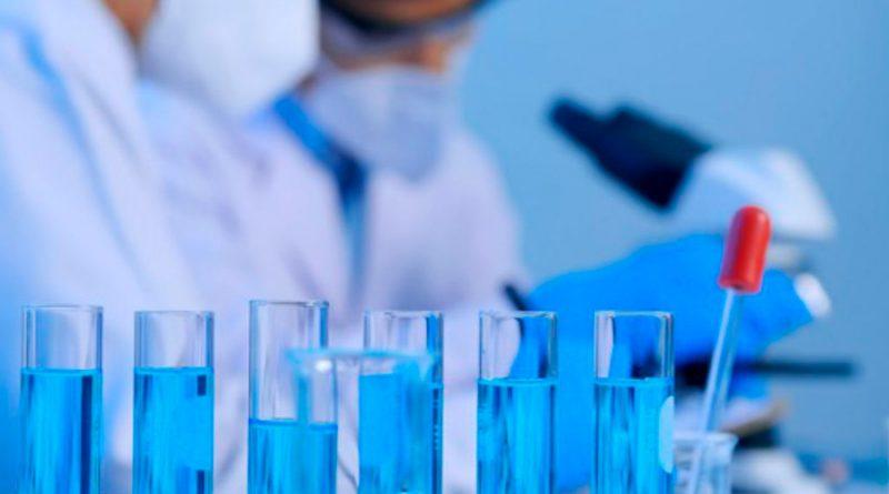 Descubren el mecanismo que ayuda al SARS-CoV-2 a camuflarse en el organismo