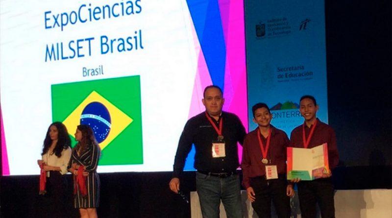 Mexicanos destacan en Brasil por crear bioplástico con cáscaras de plátano