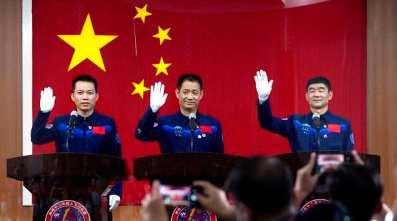 China enviará 3 astronautas a su estación espacial Tianhe