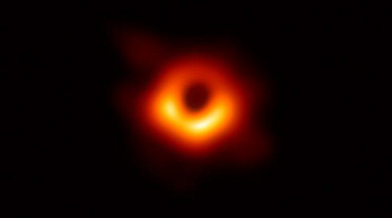 Descubren cómo nace un agujero negro supermasivo