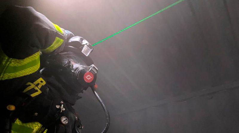Cascos láser para ver entre humo: los bomberos tecnológicos de Silicon Valley