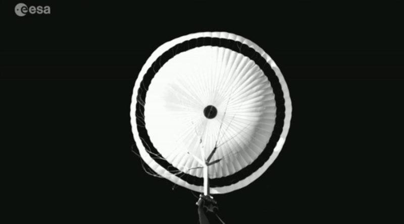 El paracacaídas gigante de ExoMars supera el test de gran altitud