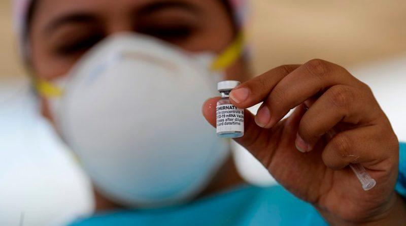 Quienes recibieron vacunación completa contra covid-19 no necesitarán una dosis de refuerzo: FDA