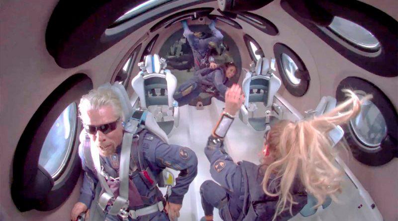 El multimillonario Richard Branson llega al espacio a bordo de su avión espacial