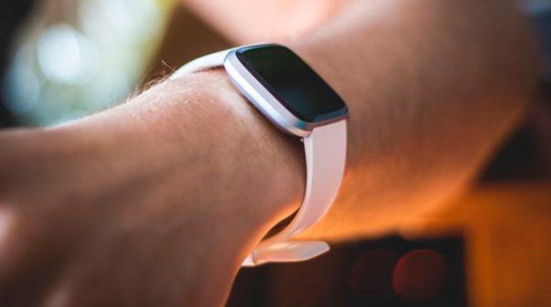 Estos son los cambios detectados por los relojes Fitbit en personas con covid-19
