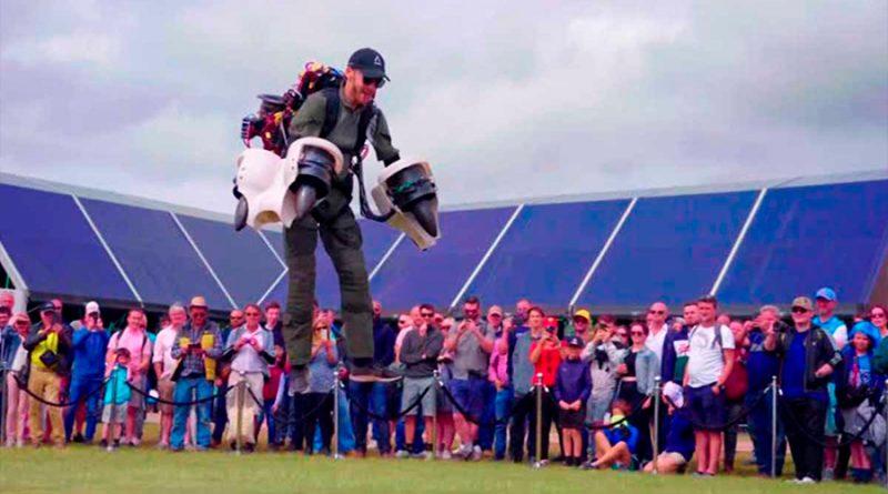 Iron Man británico muestra un nuevo traje volador eléctrico