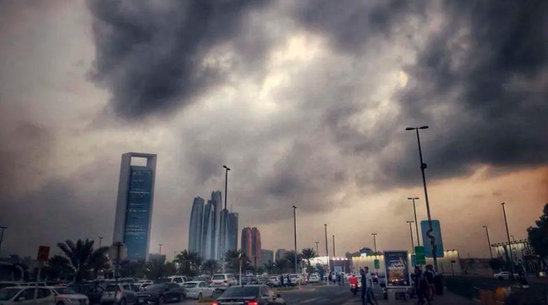 Dubái provoca una 'lluvia falsa' para combatir el sofocante calor