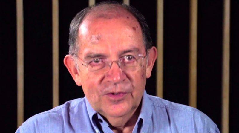 """""""La lengua no es patrimonio de nadie"""": Luis Fernando Lara"""