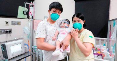 "La bebé ""más pequeña al nacer"" se va a casa tras 13 meses hospitalizada"