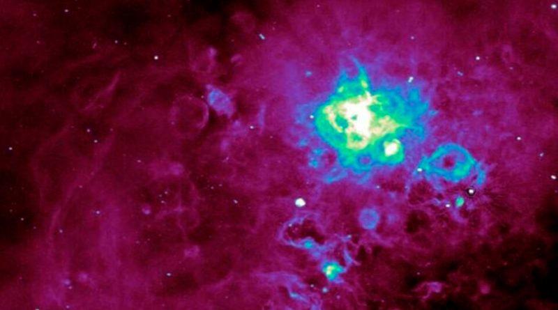 Detectan misteriosas emisiones de radio que procederían de galaxias distantes y desconocidas