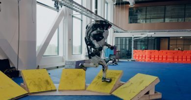 Robot Atlas de Boston Dynamics hace pruebas de parkour