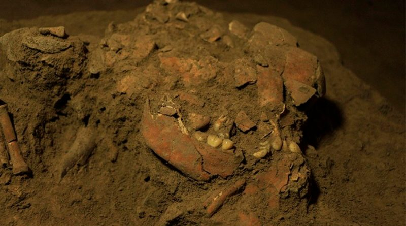 Encuentran esqueleto milenario con raro ADN de humanos desconocidos