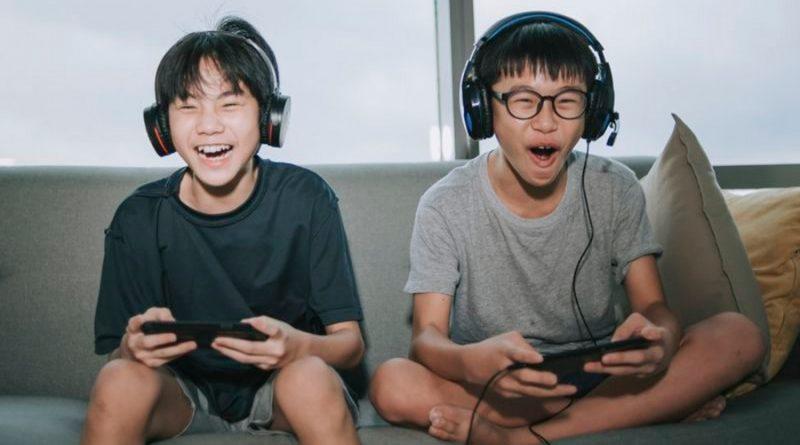 China recorta a tres horas a la semana el máximo que los menores podrán jugar a videojuegos