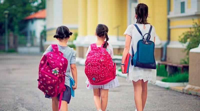 Las mochilas escolares no deben superar el 15% del peso total de los niños o adolescentes