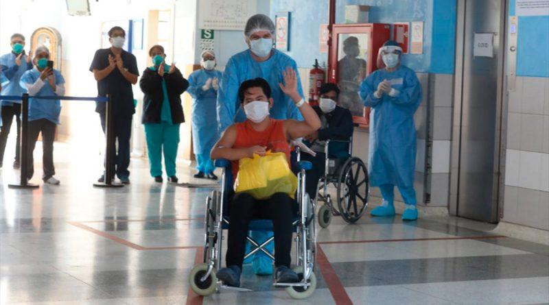 Los que sufrieron Covid-19 grave pueden estar más protegidos contra las variantes