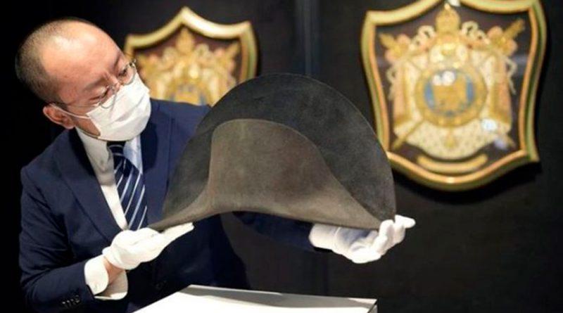Descubren sombrero de Napoleón gracias a muestras de ADN