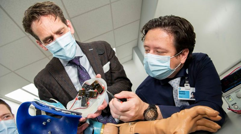 Crean un brazo biónico que restaura comportamientos naturales en pacientes con amputaciones