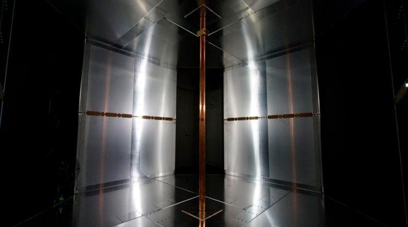 Desarrollan una tecnología de carga inalámbrica por aire utilizando campos magnéticos para interiores