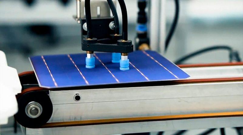 Científico australiano revoluciona el mundo de los paneles solares con cobre
