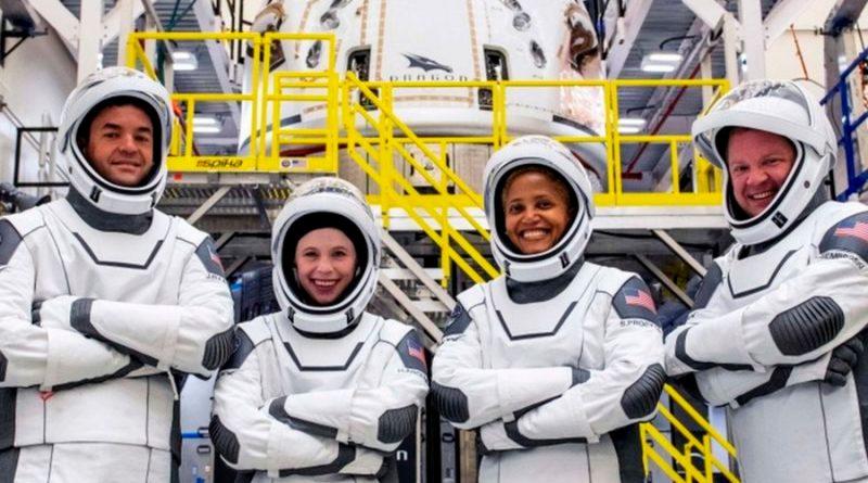 Turismo espacial: parte cápsula de SpaceX con 4 astronautas amateurs