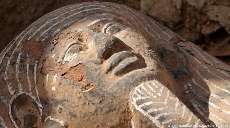 Reconstruyen rostros de tres momias egipcias a partir de ADN antiguo de hace 2,000 años
