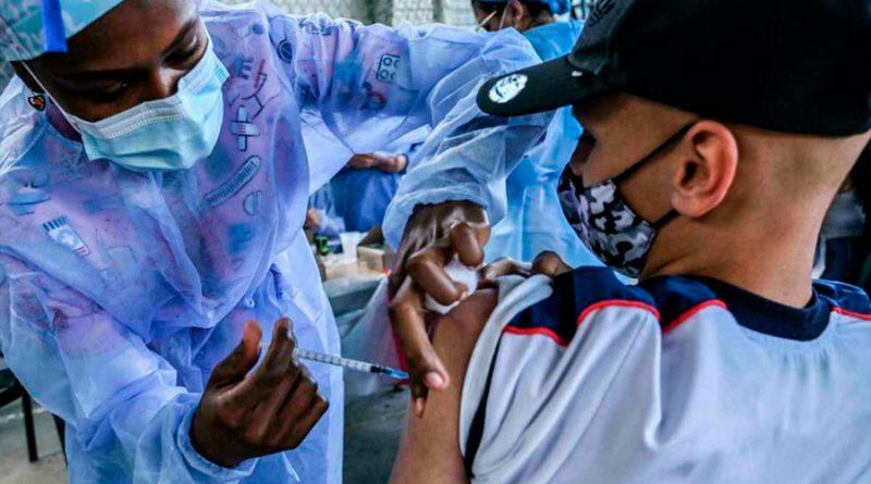 """La vacuna de Pfizer-Biontech es """"segura"""" en niños de 5 a 11 años"""