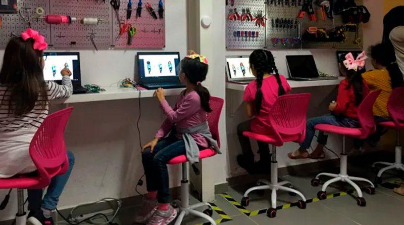Empoderan a niñas desde la ciencia y tecnología