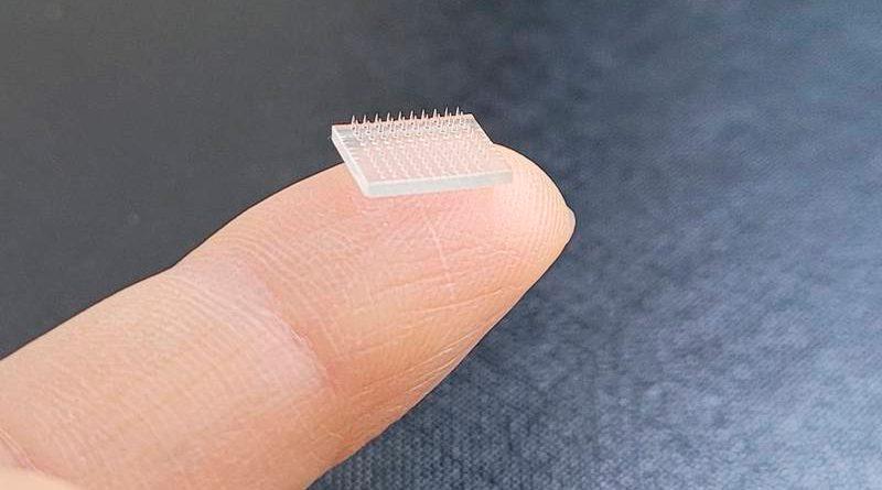Científicos desarrollan un parche de microagujas impreso en 3D que podría servir de alternativa indolora a las inyecciones tradicionales