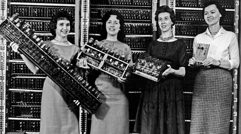 Top Secret Rosies, la historia detrás del grupo de mujeres que cambió la tecnología